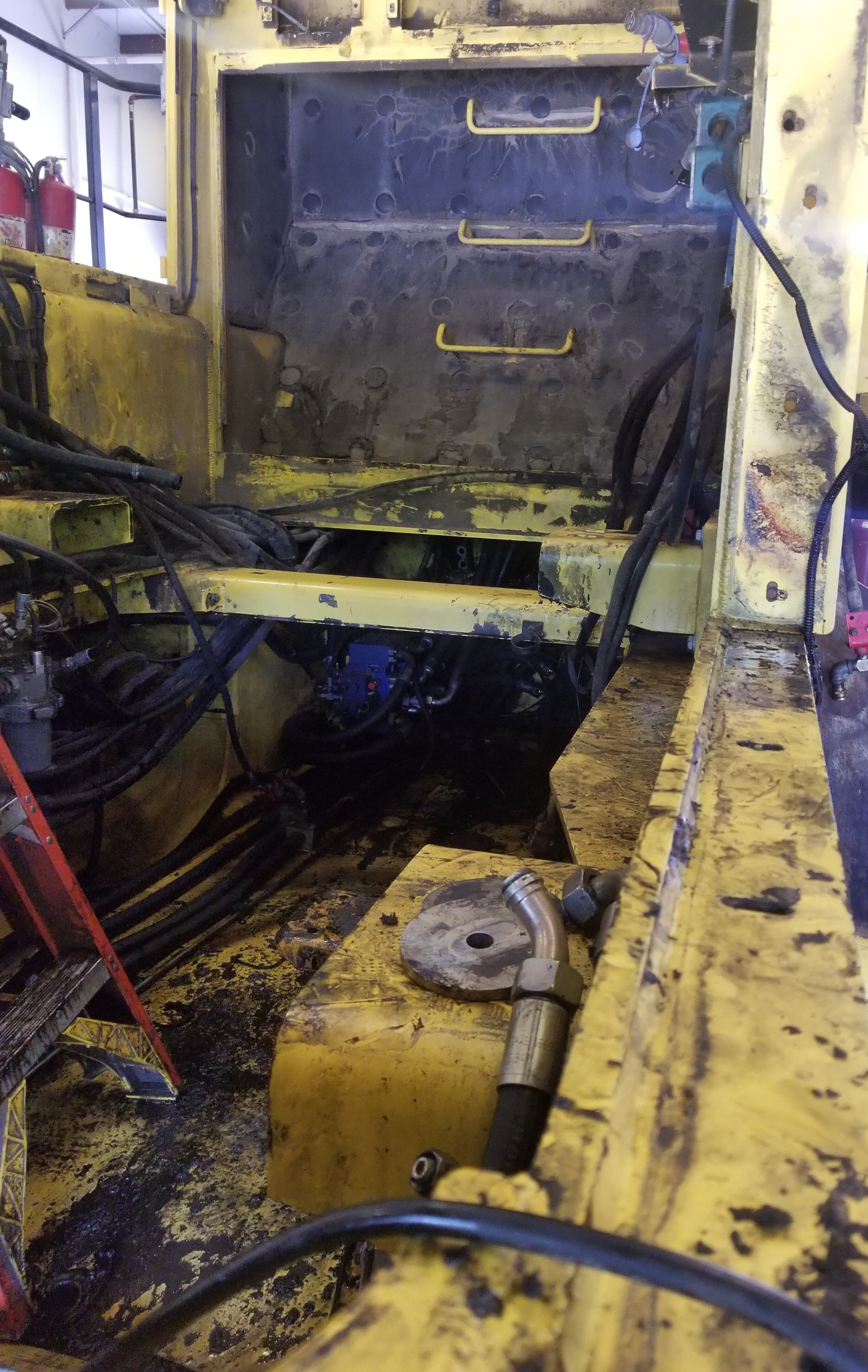 Bomag Landfill Compactor Rebuild - Engine Removed