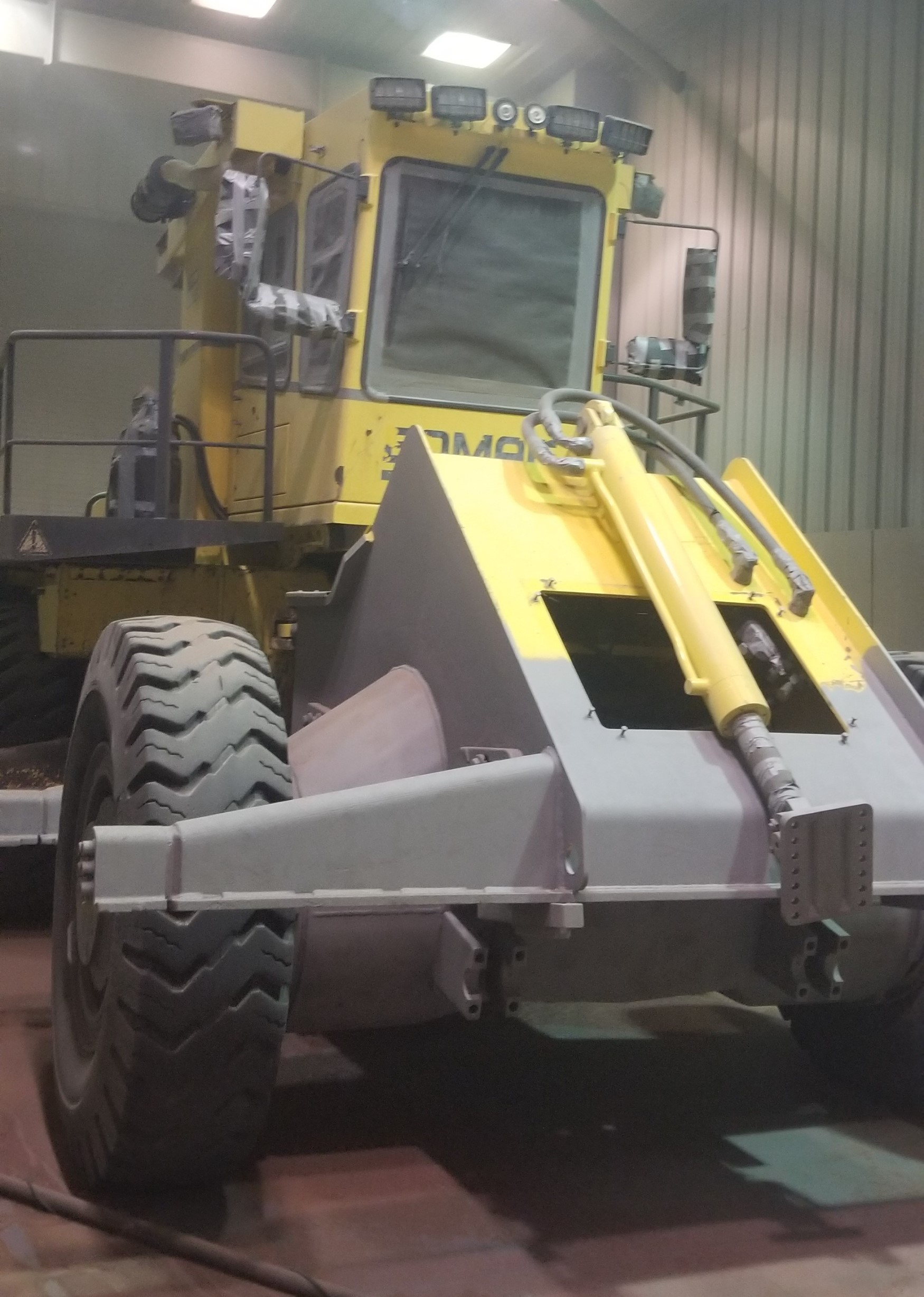 Bomag Landfill Compactor Rebuild -Paint Booth